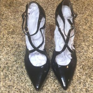 Guess black patent leather w/cross straps